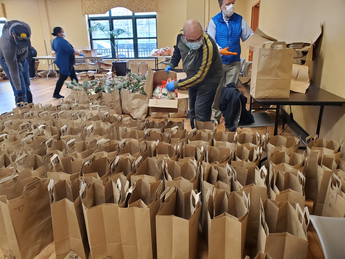 With an unprecedented level of need among Cambridge residents, @Ammallon @foodforfreeorg and @CambCommCenter are asking you to donate to food access organizations this holiday season. #CambMA