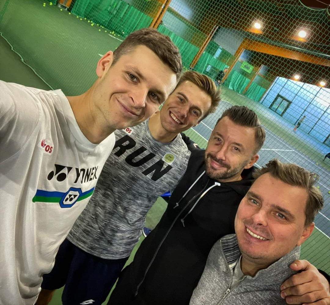 Potrenowane w doborowym towarzystwie 😉💪🎾💥  #tennis #hubi #Training https://t.co/v5LCtn3iOg