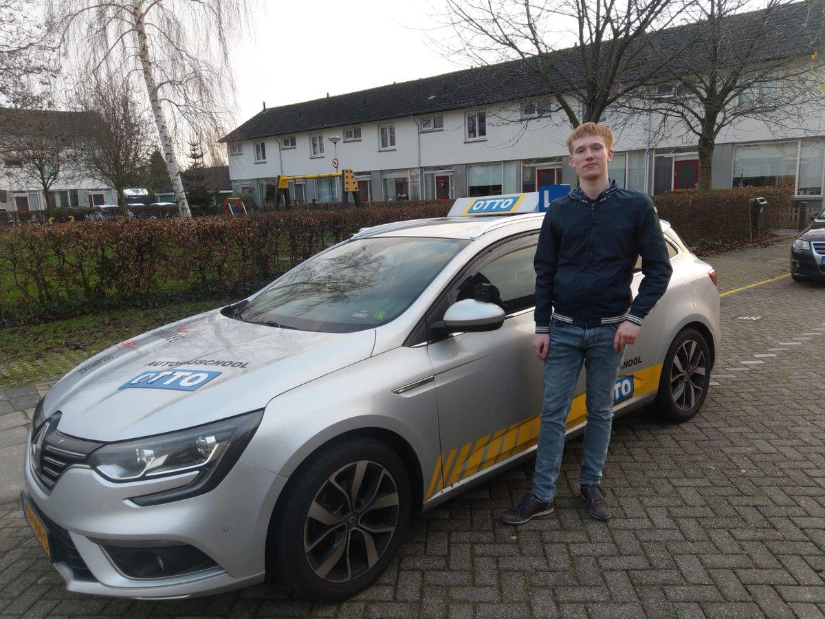 test Twitter Media - Thijmen Hoogendoorn na een nette rit geslaagd voor je rijbewijs, gefeliciteerd! https://t.co/kNsgudiK8J