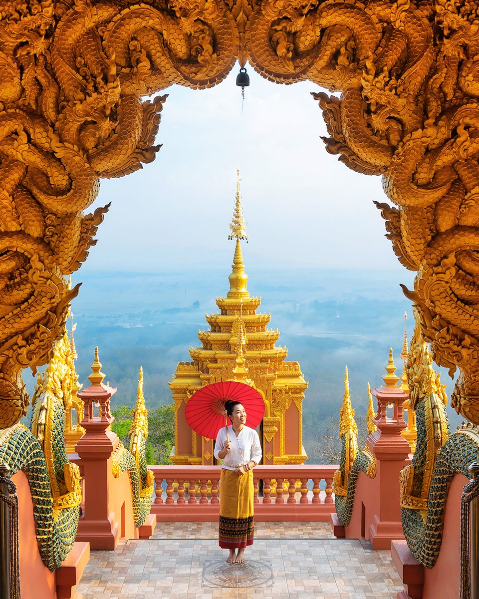 Though #WatPhraThatDoiPhraChan is one of the least known #Buddhisttemples in #Thailand, it's still a spectacular landmark to admire. The easiest way to get to the point is by motorbike or car from Lampang's provincial capital.  Credits: Shutterstock https://t.co/hntBecKMUf