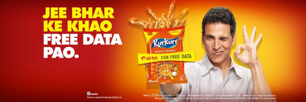 """New Print Avdt: @akshaykumar sir for #KurkureSnacks.  """"Jee bharke khao, free data pao""""💥🥳"""