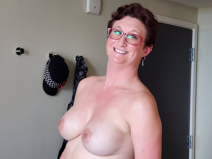 #TittyTuesday #COVID19 https://t.co/llAMgtlOnA