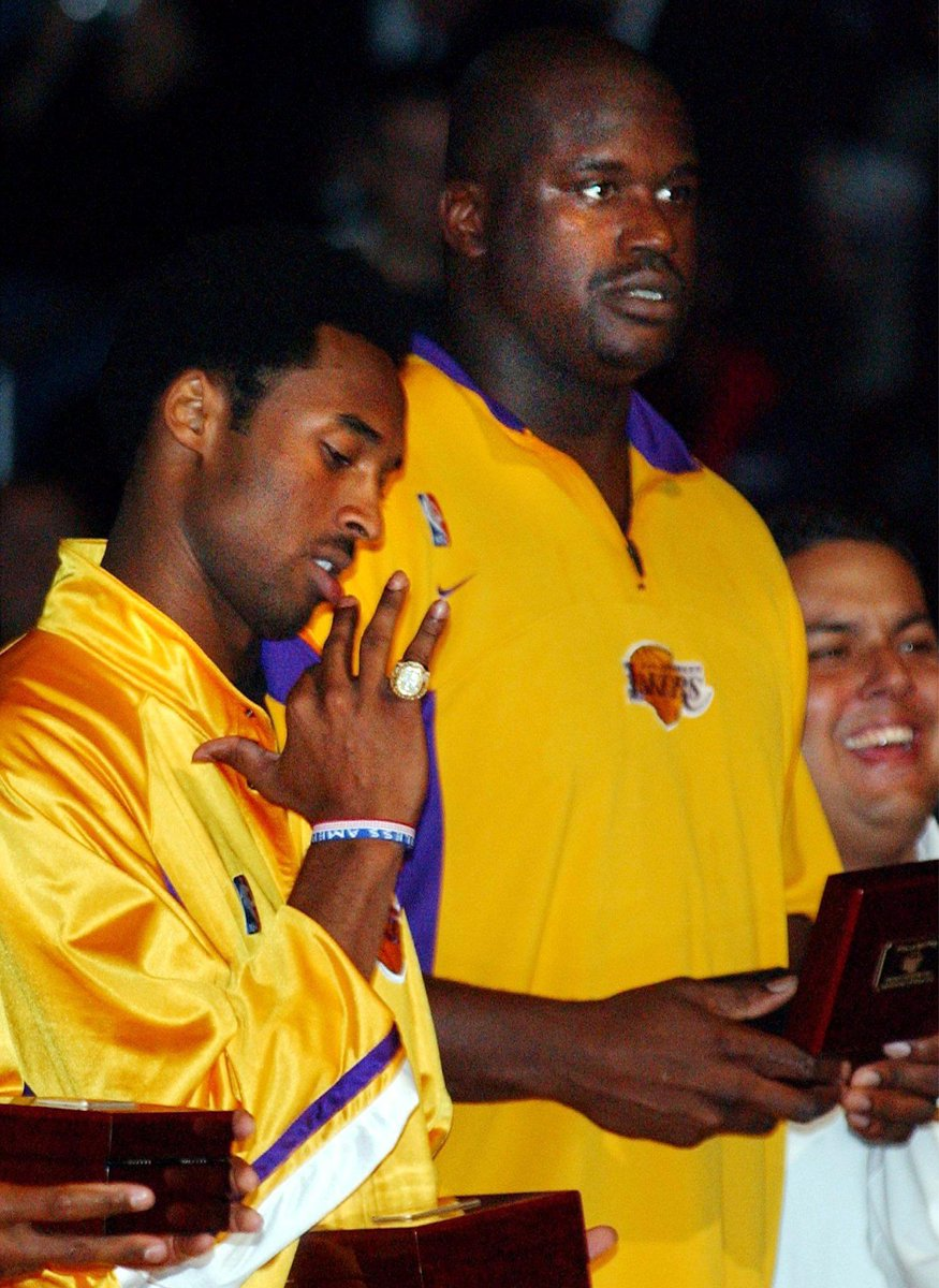 Replying to @timelesssports_: 2001 Lakers Ring Night. 💍