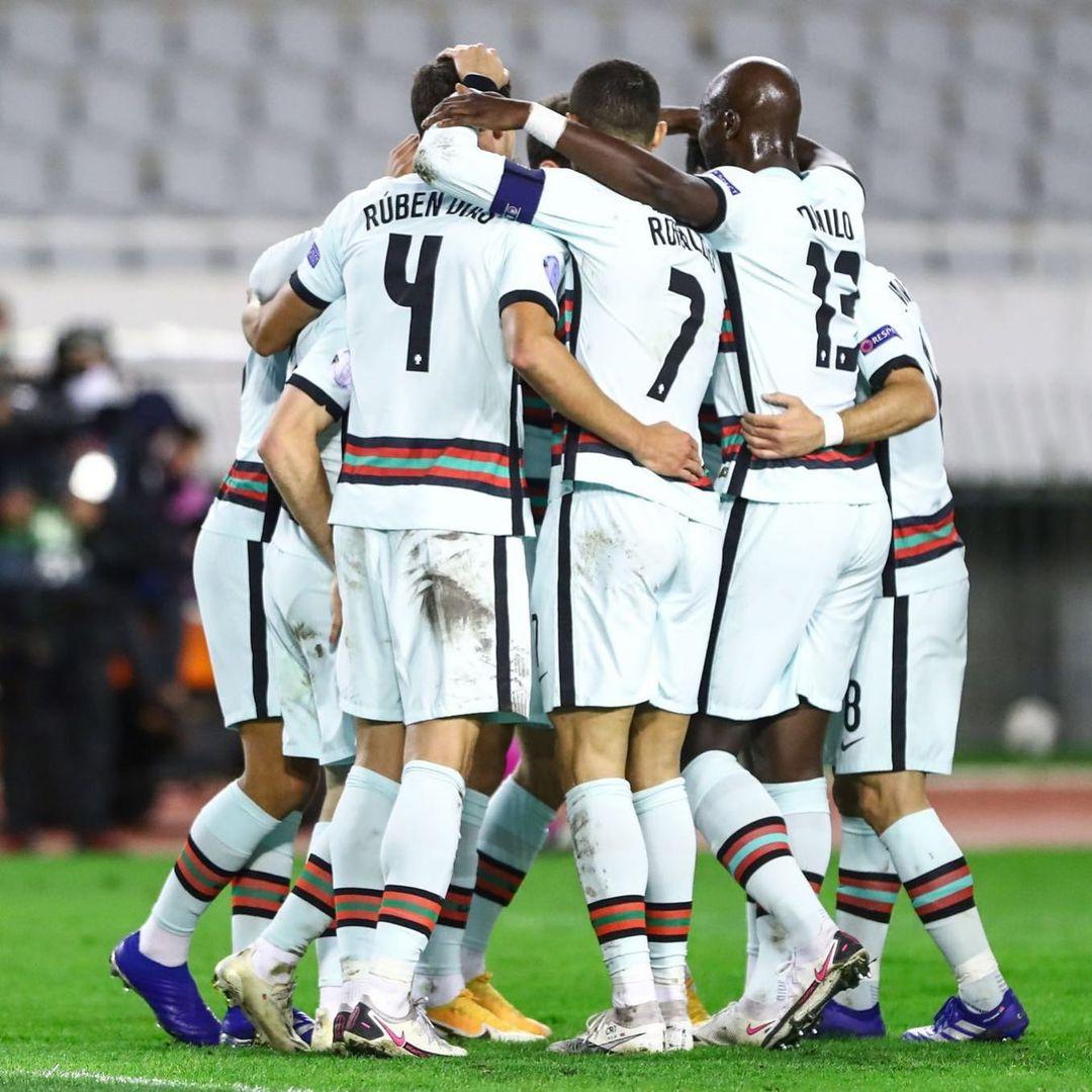Cristiano Ronaldo Continuaremos a vencer juntos! 🇵🇹👏🏽💪🏽 #todosportugal
