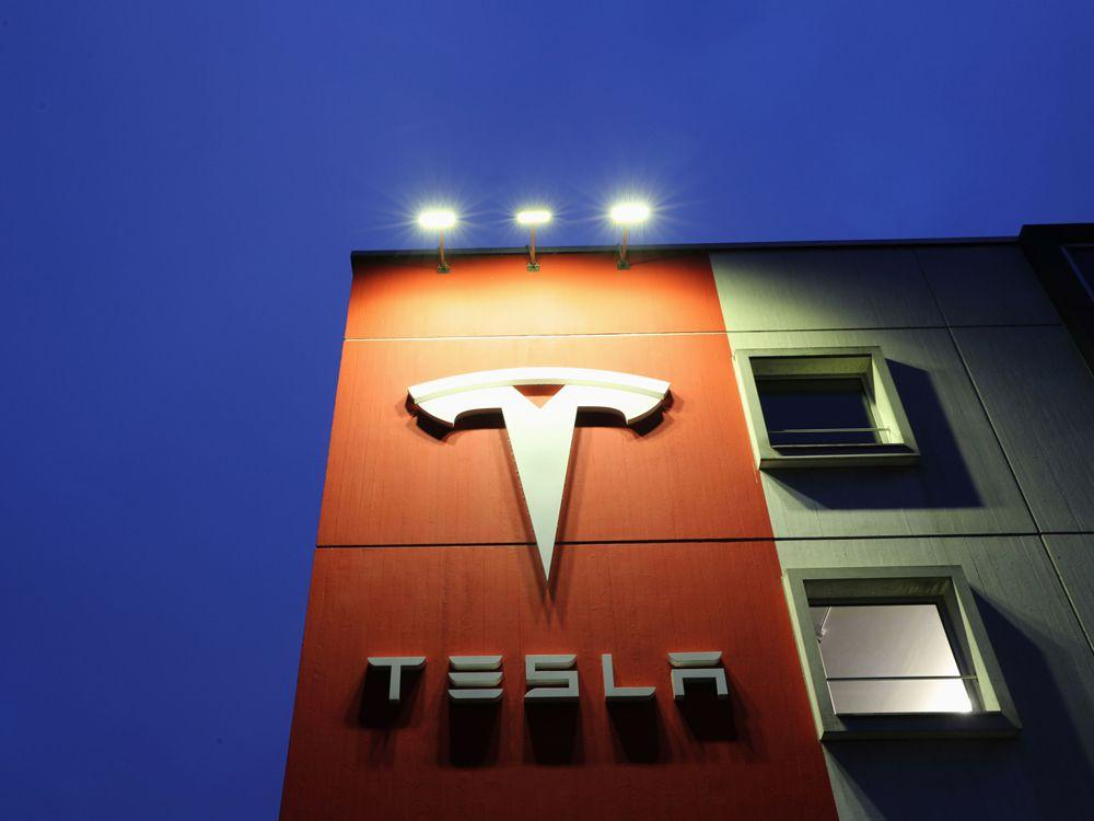 Apple's self-driving, electric car plan creates Tesla bear case: Morgan Stanley