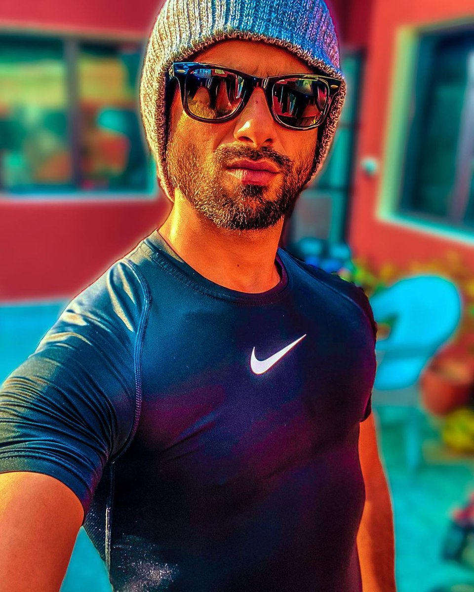 "INSTA POST by @shahidkapoor 😍❤️❤️  '' You talking' to me""  #ShahidKapoor #Shanatics"