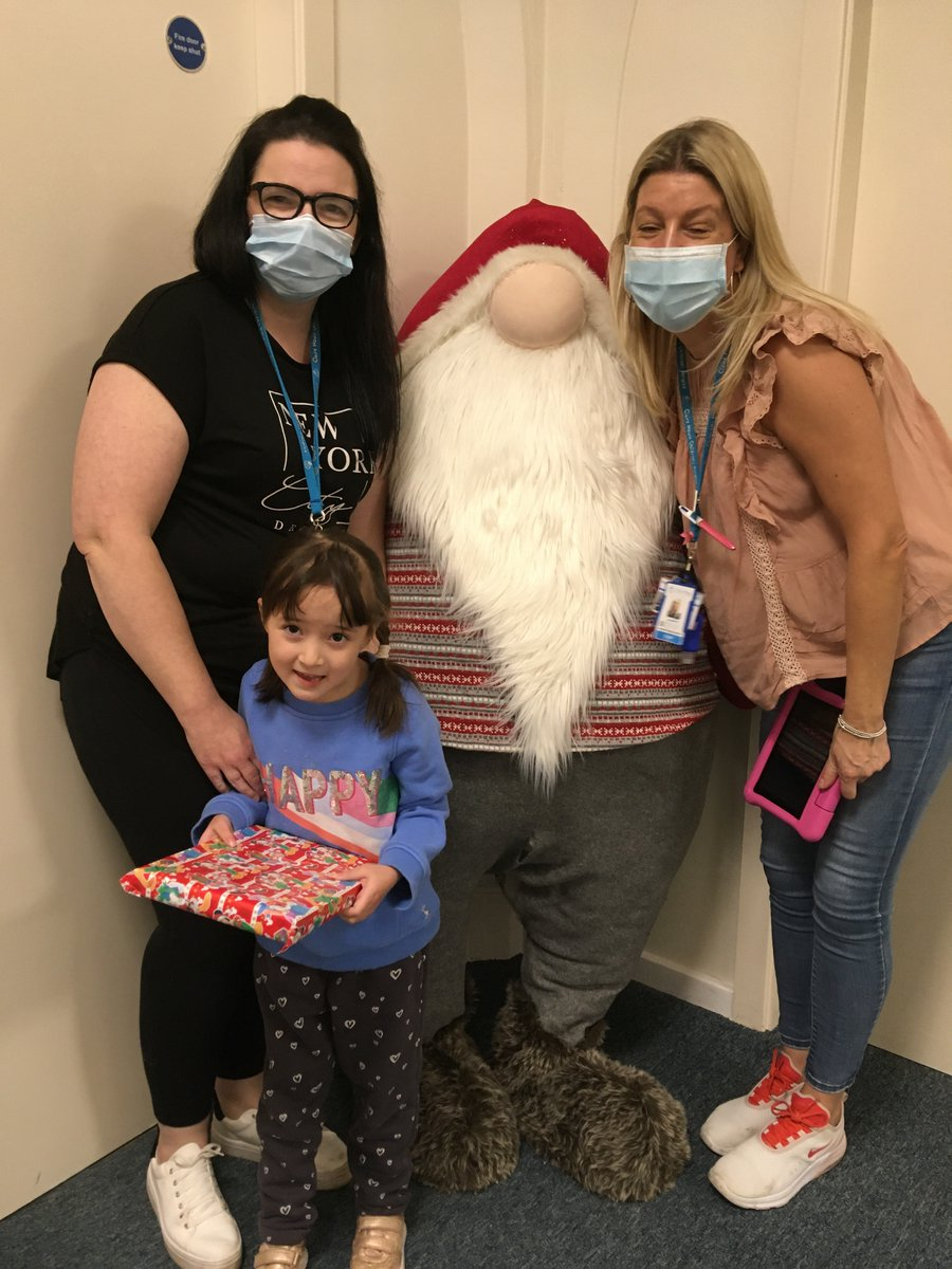 Nurses like Lou and Play Specialists like Kerry help to create magical memories for children.  Sayuri loved seeing all of the twinkling decorations in our winter wonderland. ✨🎅✨  Precious memories last a lifetime for our families and are only made possible because of you. ❤️
