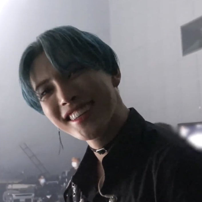 hongjoong's beautiful smile to make your day happy ; a thread ♡