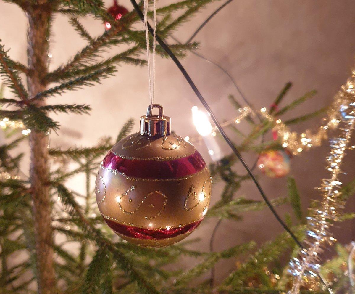 Hyvää ja rauhallista joulua kaikille toivottaa OP:n someaspa! 🎅Maanantaina meidät taas tavoittaa normaalisti somekanavissa klo 9-17😊 -Jesse https://t.co/f08wm5Pmcf