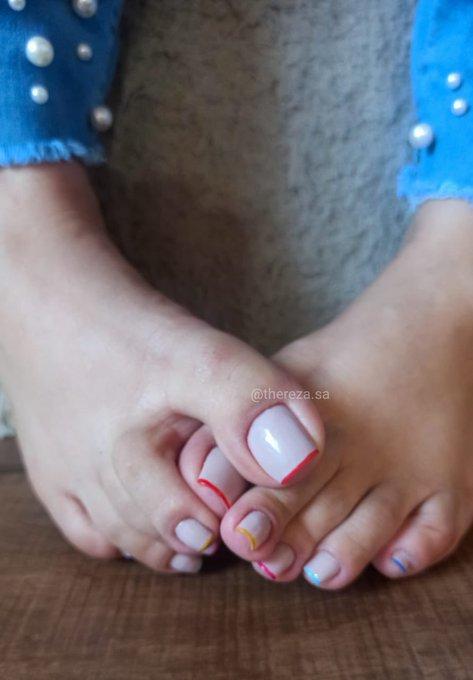 3 pic. Sigam @amarandolce ✨👣 40/size 10 ✨Long toenails ✨Bbw Disponivel para: ✨  sessão online/presencial ✨