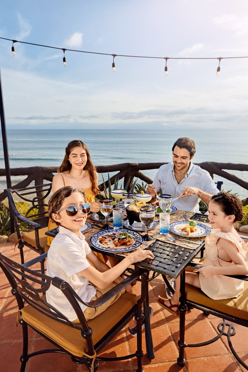 Would you like to have a delicious Mexican dinner?  Then La Adelita à la carte restaurant is your best option at Grand Palladium Hotels & Resorts in Riviera Nayarit.