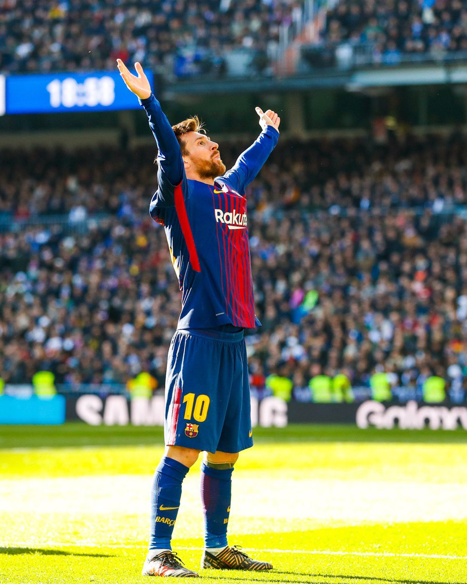 🔙 #OTD (2017) 📍 Santiago Bernabéu ⚽ #ElClásico (0-3) 📷 Leo #Messi 🐐