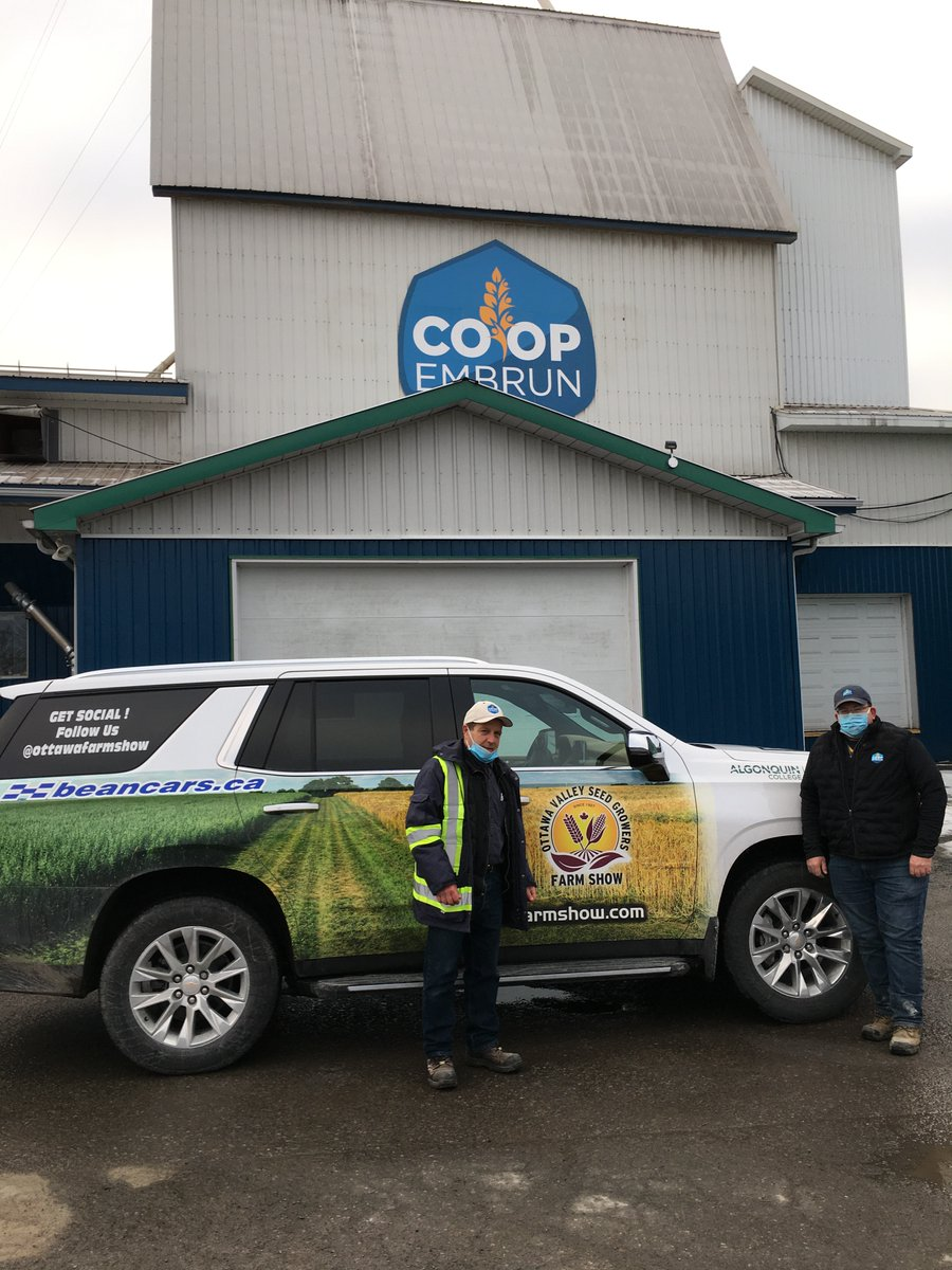 Where's Tahoe? ... with John and Frank at Embrun Coop ... big hello to all our fellow members! #agintheeast #OVSGA https://t.co/agWHXLnijm