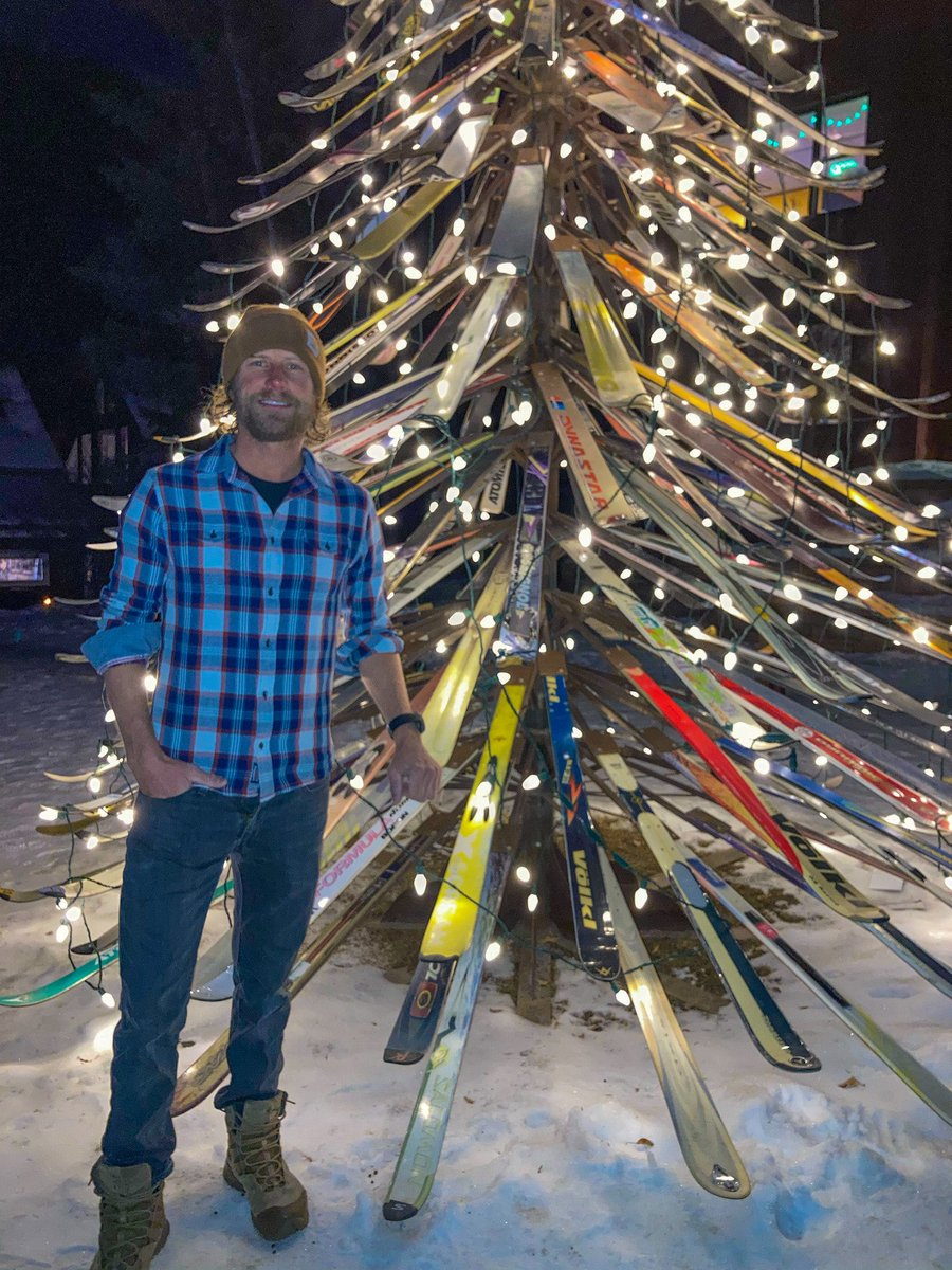 Merry Christmas and happy holidays from me and the @flagandanthemco family...Colorado style...ha! #skitree