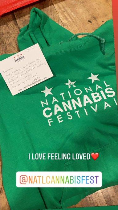I love feeling loved❤️❤️❤️@NatlCannaFest #pridewellness #lgbtq #cannabis #educate https://t.co/Plg7a