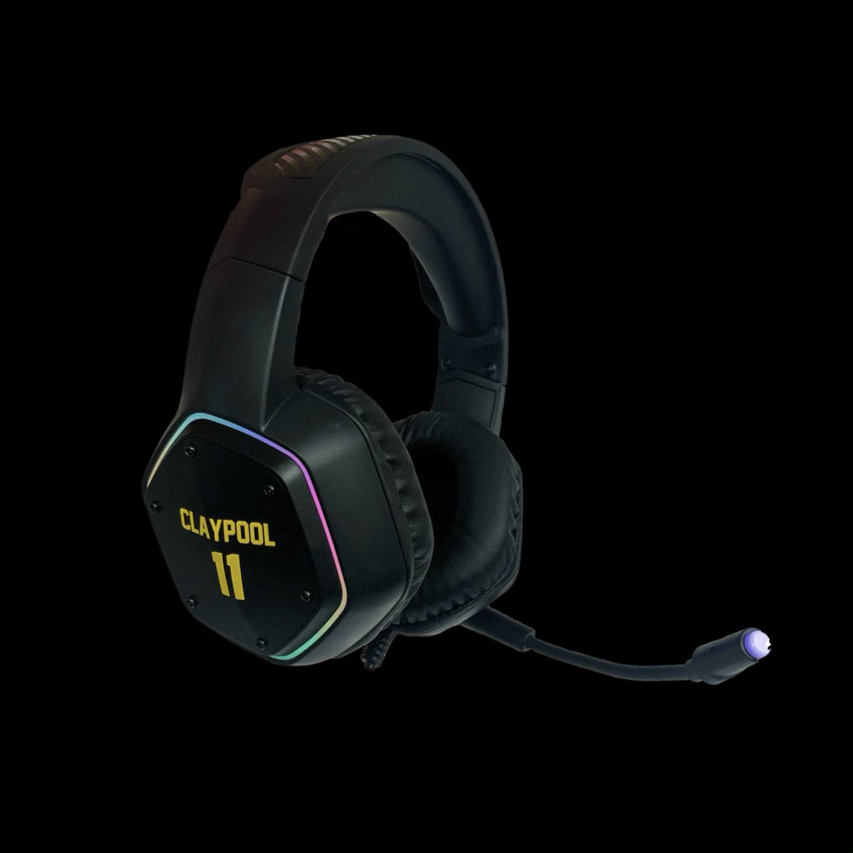 I dropped my own custom GAMING HEADSET and I'm giving away an Xbox Series X to celebrate the drop!  Anyone who gets my headset or retweets this will have a chance to win: ➡️