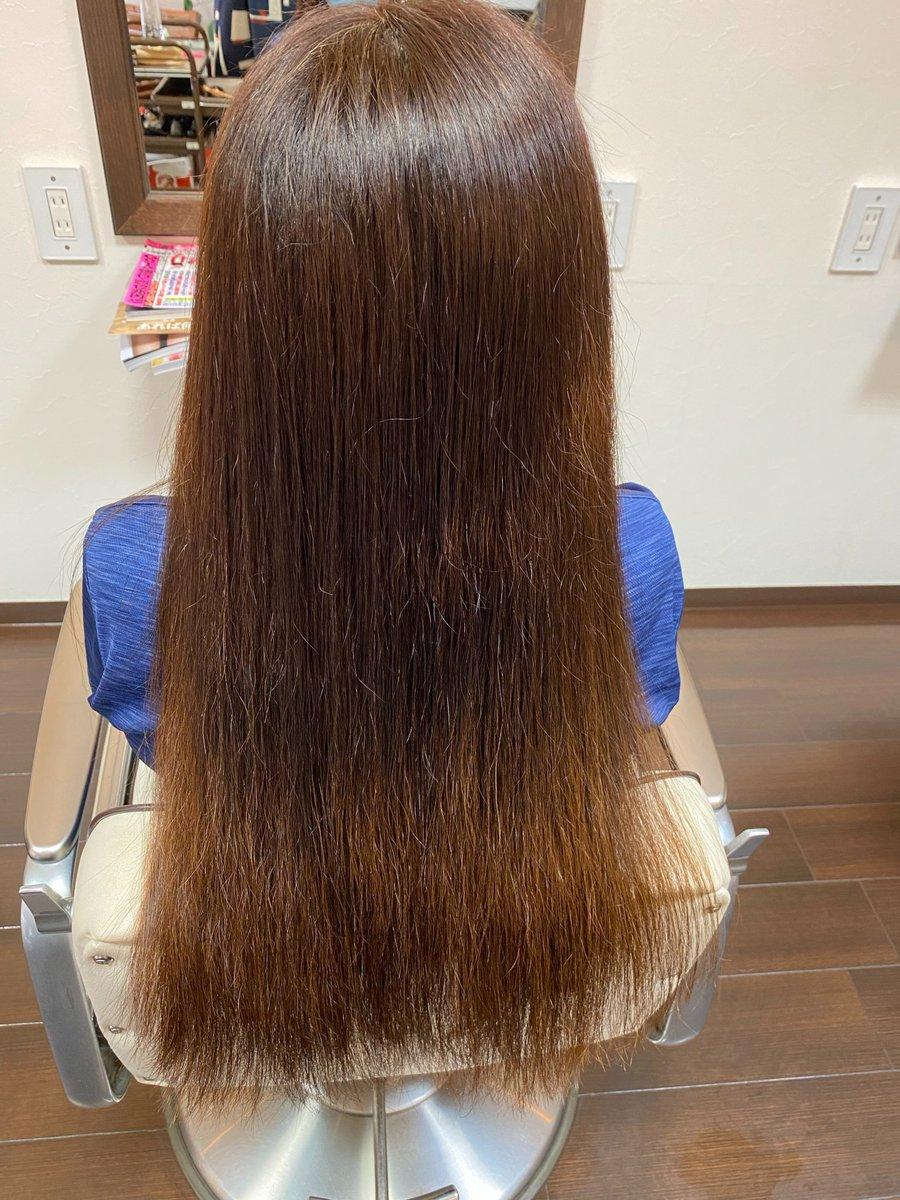 【ヘアドネーション】知ってますか久しぶりに妹に会ったらロングヘアーがショウトヘアーになっていた妹が一言🍀自分の髪の毛.寄付したよ🍀#ヘアドネーション小児がんや先天性の脱毛症不慮の事故で頭髪を失った子供の為に寄付された髪の毛でウィッグを作り無償で提供する活動です