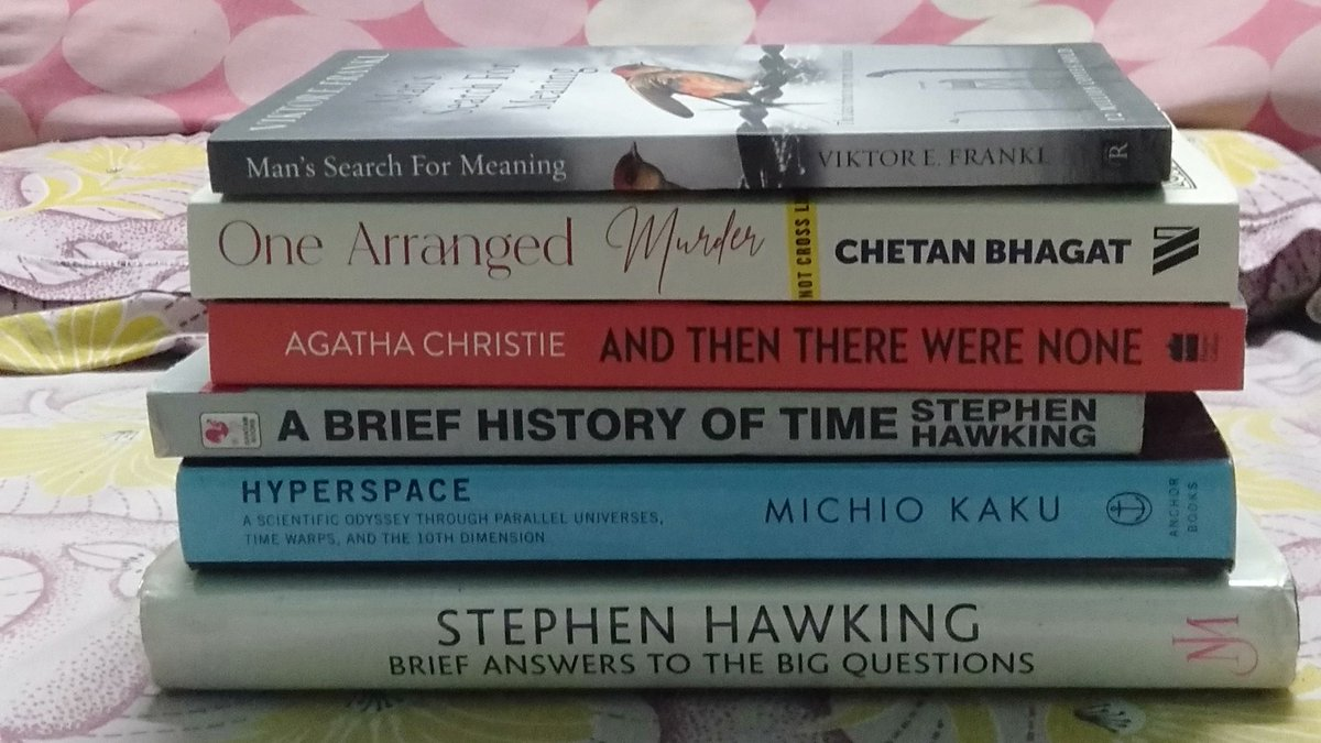 My #DecemberWrapup maybe small on quantity but it was certainly HUGE on quality Smiling face with heart-shaped eyes @chetan_bhagat @agathachristie @michiokaku @StephenHawking8   #OneArrangedMurder #December2020