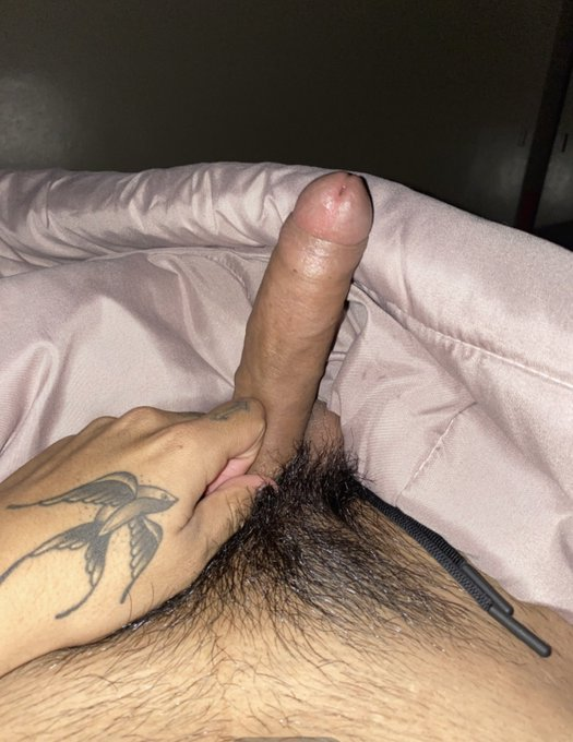 2 pic. is it normal to be this fucking horny all the time https://t.co/1nElSXvQsQ