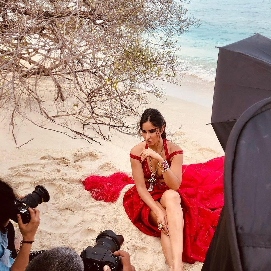 Shoot mode on  🥰🥰🥰 #bollywood #bollywoodactress #bollywoodcelebs #bollywoodstars #celebrity #KatrinaKaif #shootmodeon🎬