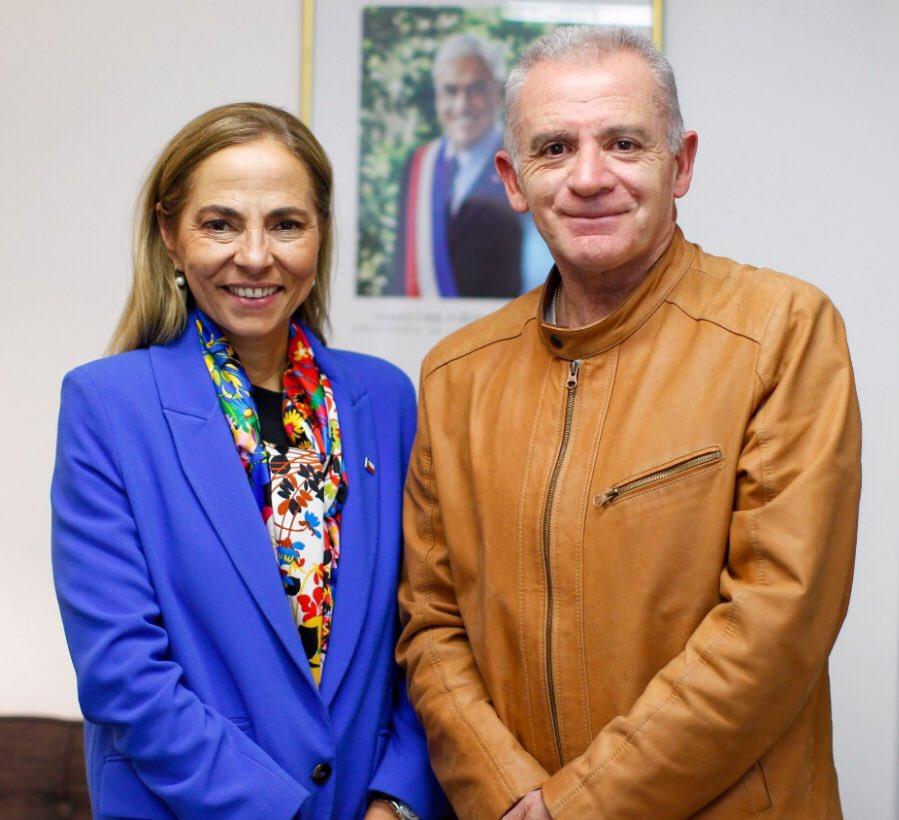 Felicitaciones a la nueva directiva de la @udipopular, encabezada por el diputado @javiermacaya, un hombre sencillo y de terreno e integrada también por la ex ministra @isabelpla,  una mujer fuerte, inteligente y segura, de quién no me cabe duda, hará un #grantrabajo.👏👏