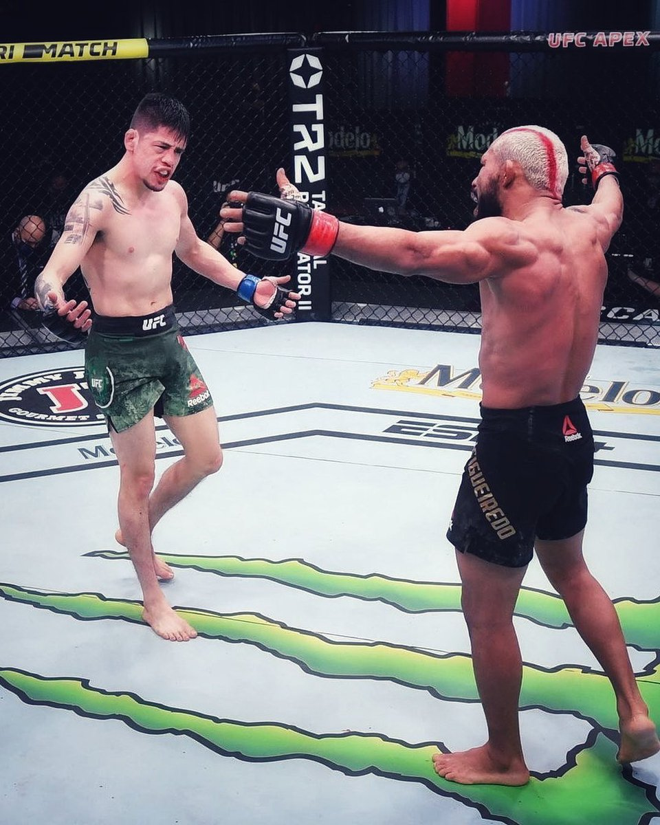 Moreno Won. Give them rematch with full camps!💥 #ufc256 https://t.co/W8Aj6wOtGS https://t.co/RSa7fRmTu8