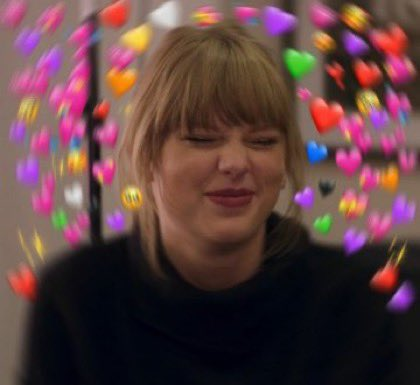 HAPPY BIRTHDAY TAYLOR SWIFT IM SO GLAD TO BE ALIVE DURING YOUR LIFETIME