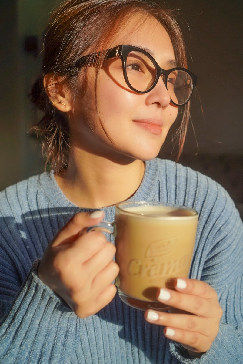 Taking a break with my favorite cup of white coffee. It's okay to hit pause and have a breather once in a while—for me, I enjoy it with Cremasarap na Level Up White Coffee, now available in supermarkets near you!   #LevelUpwithKathandSanMigCrema @sanmigcoffeeph