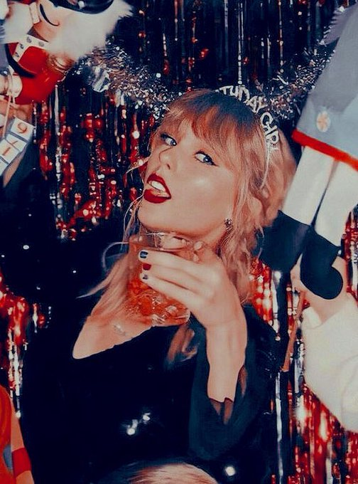 Happy birthday to the one and only taylor swift i love this woman so much