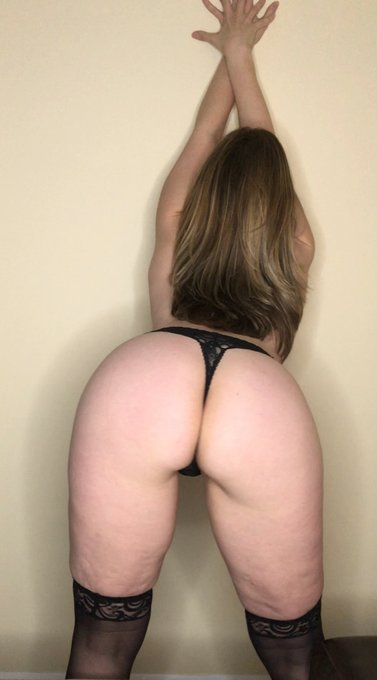 Like your MILF being a naughty dirty slut? https://t.co/HUT3OMgHH6