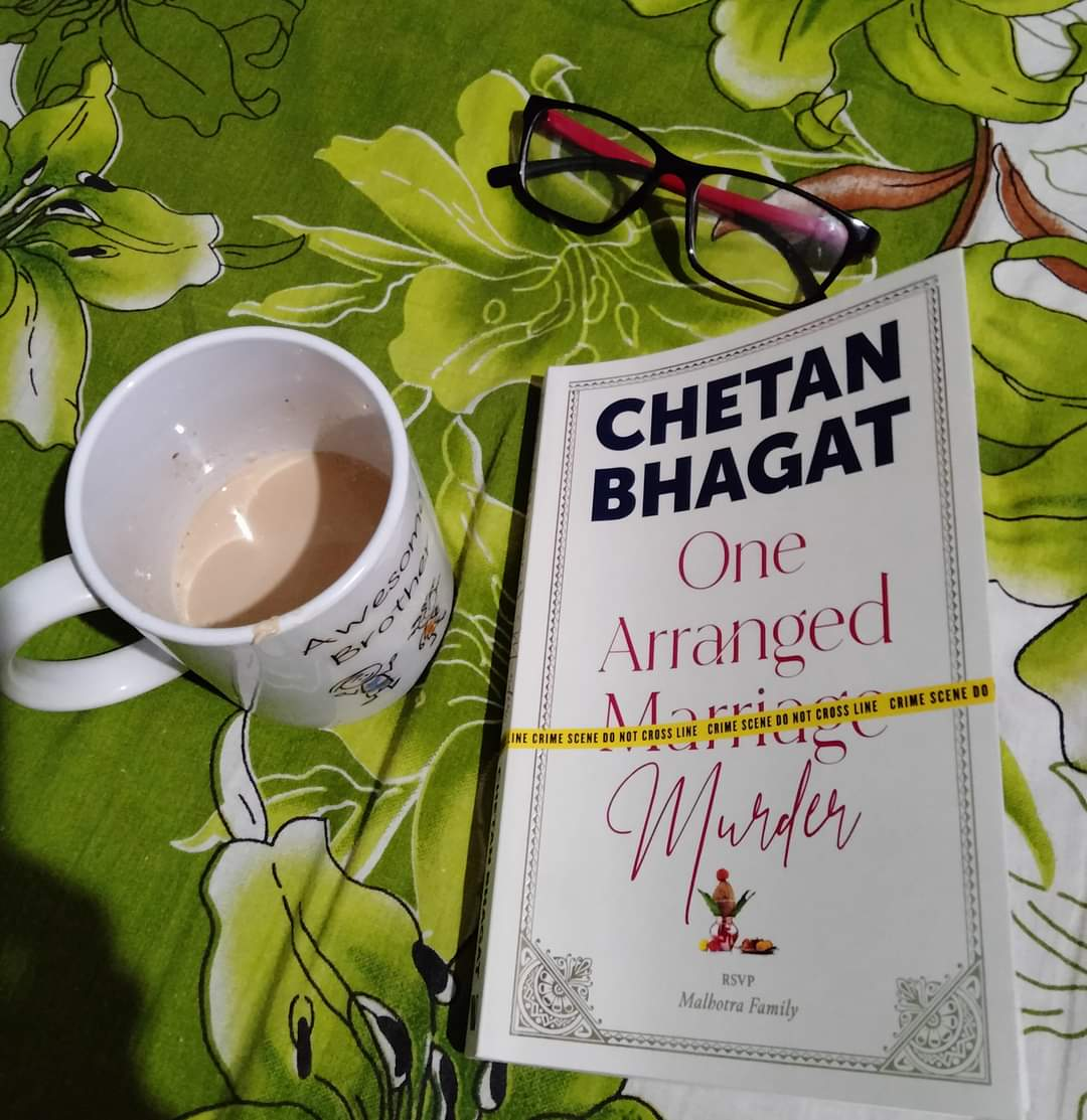 @chetan_bhagat #onearrangedmurder December evening ,A cup of warm cofee  and A gripping run-of-the-mill murder mystery  enough to keep me engrossed .  It's breezy,quirky and the plot will keep you guessing till the end I bet☺️ Even if you are a hardboiled  Agatha Christie fan👍