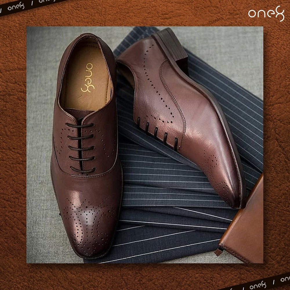 The perfect shoe to up your style for the festivities 👞👌. @one8Select #one8