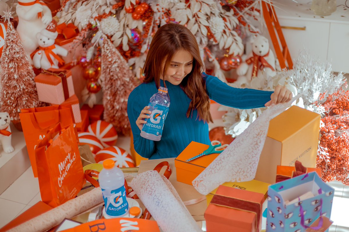 Can you believe it's December already?! Balancing time for work and family before the year ends is going to be challenging, but I'm ready to take on anything with @GatoradeIon by my side! Stay hydrated, everyone! 💙  #OurActiveHydration