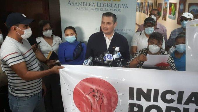 FMLN respalda petición ciudadana de aumento a pensión mínima