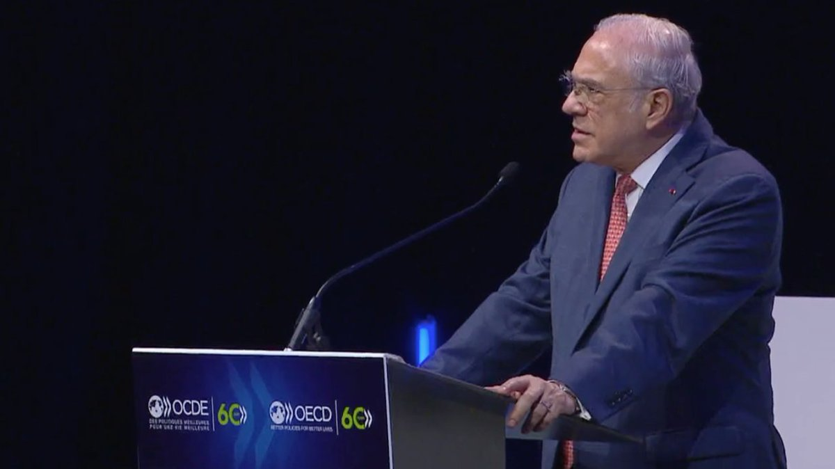 """""""The pandemic is far from behind us. The only way to recover from this crisis is to pool our efforts and help each other"""" - OECD Secretary-General @A_Gurria opens today's #OECD60 panel on multilateralism in the post #covid19 world. Watch it live here: https://t.co/SUusVIK2S1 https://t.co/HY76Dx1oXl"""