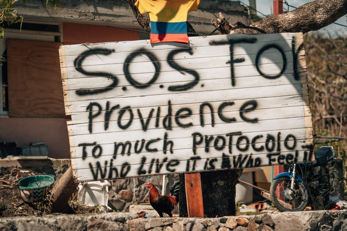 """Otro hermoso postal de Providencia vía @Sammyproo  """"S.O.S para Providencia Mucho protocolo, quien lo vive es quien lo siente"""""""