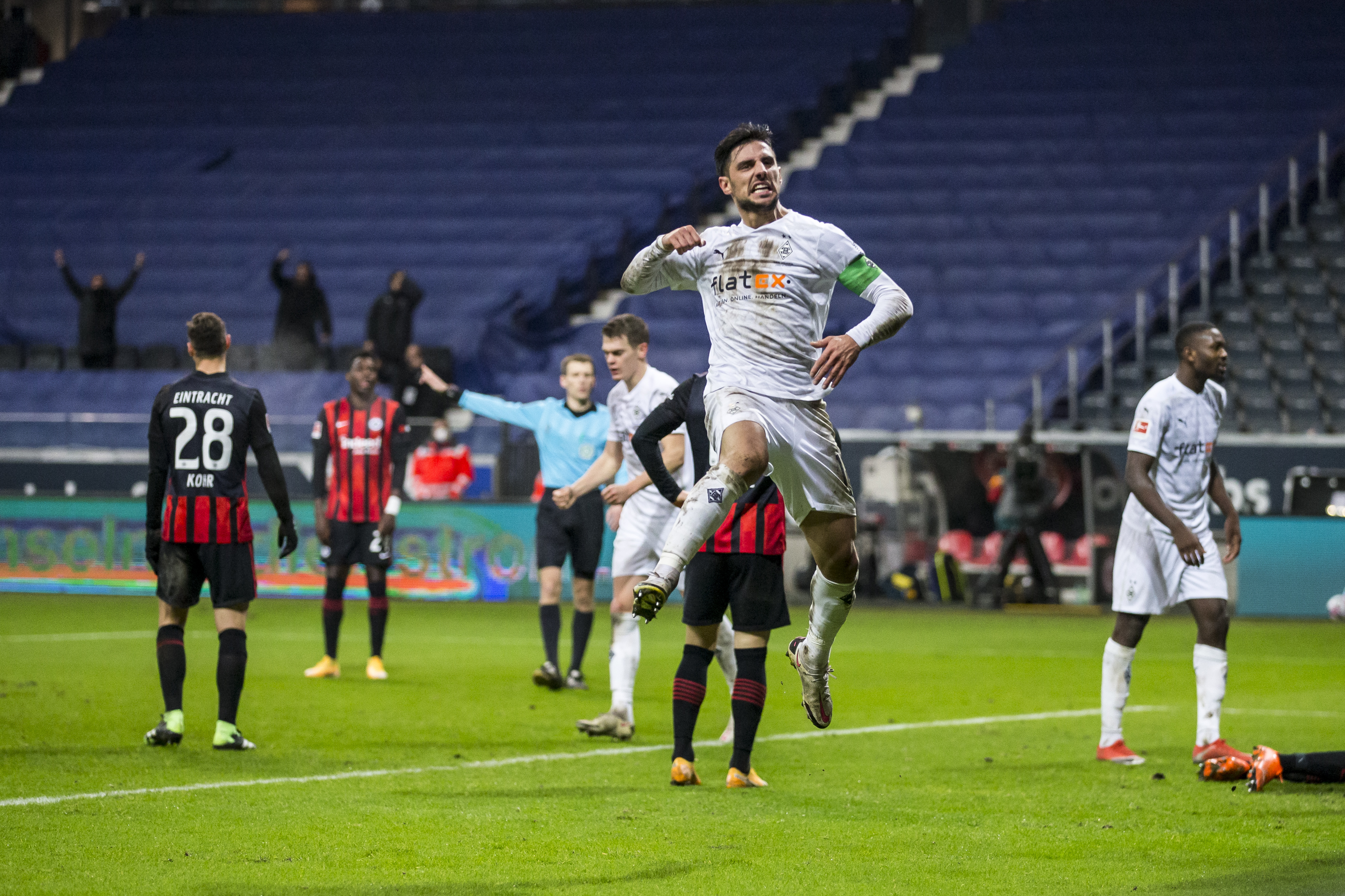 Бундесліга. Ларс Штіндль зробив хет-трик і вирвав для Ґладбаха нічию в матчі з Айнтрахтом - изображение 1