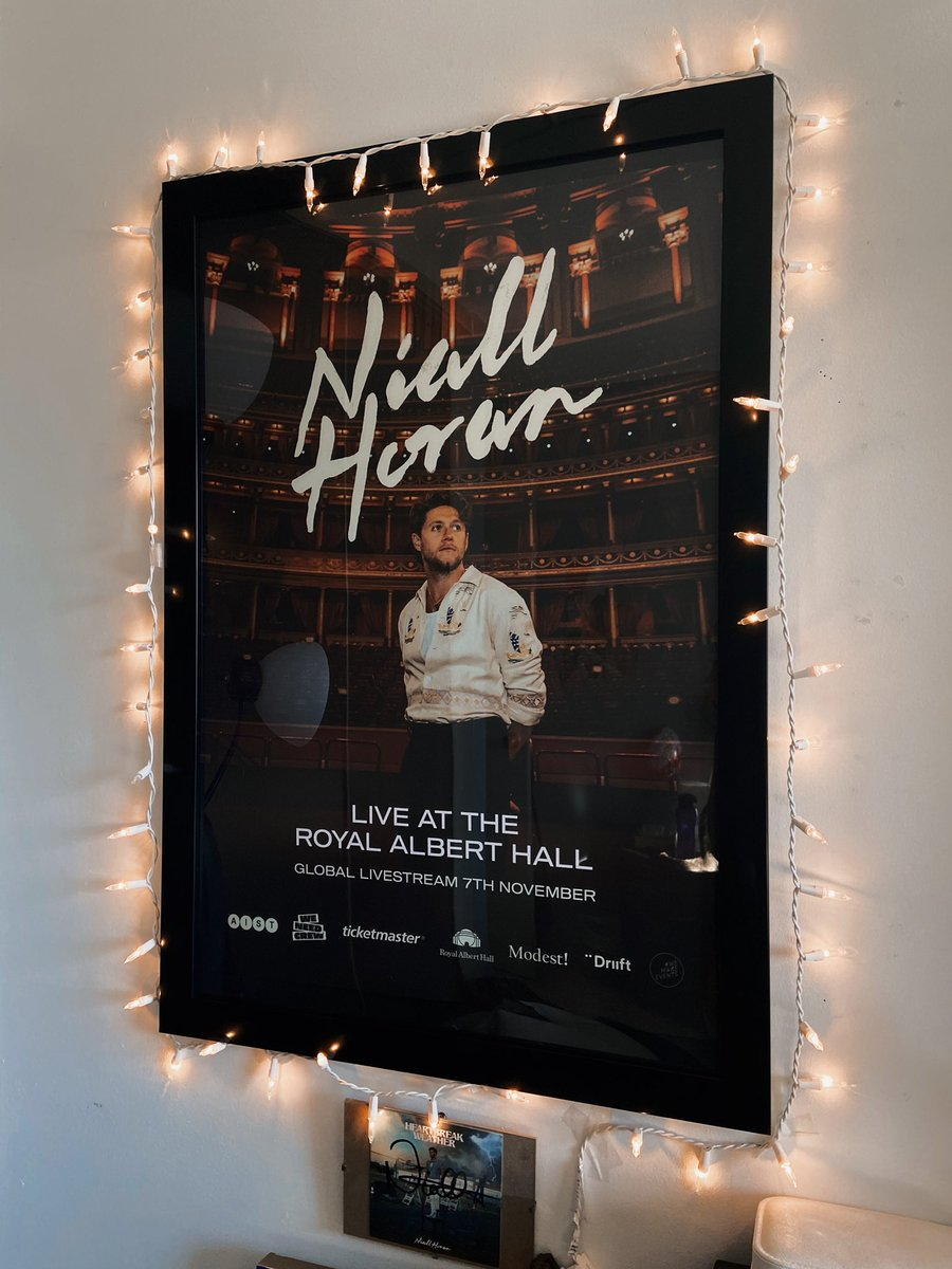 I love this poster! It's nice to be able to give for this cause 😁💕 @NiallOfficial @WeNeedCrew