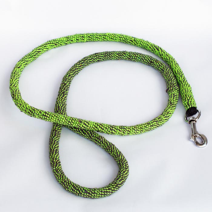 Worlds first dog lead made from Monofilament ghost nets and recycled waste fabric!  Ghost Leash! Available and ready for shipping!  https://t.co/A6E79Jksfl  @mattsorum @DiseaseMatters @GGGInitiative @JustSeaTurtles @seaturtle @VisualPersist @FAOfish @BBCNews @rickygervais https://t.co/xfaovYFgyu