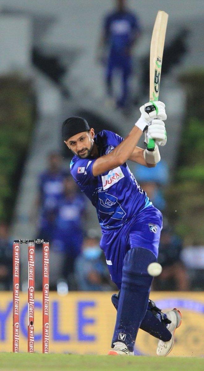 @imrandomthought @realshoaibmalik @MirzaSania @realshoaibmalik 🌟 45 off 36 Balls 🌟 2 Wickets 3 Overs 13/2 🌟 1 Catch 🌟 Man of The Match  🌟 Jaffa Stallions #LPL Champion 🌟 BPL Champion 2020 (Rajshahi)  🌟 National T20 Champion (KPK) 🌟 Man of the Match NT20 Final