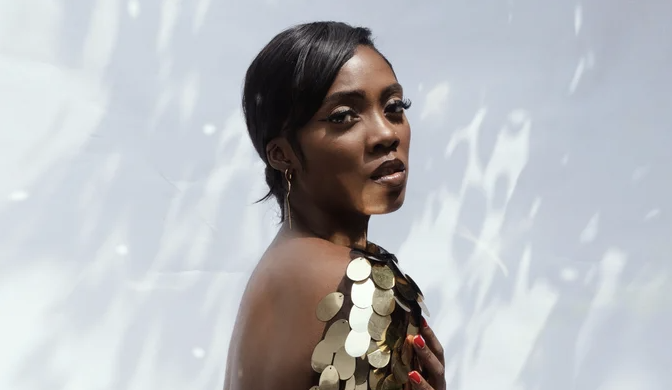 """""""An Afrobeats Titan"""" 🔥  Read more about .@TiwaSavage, her new video with .@davido for """"Park Well"""", and more on .@Refinery29!  Check it out here:"""