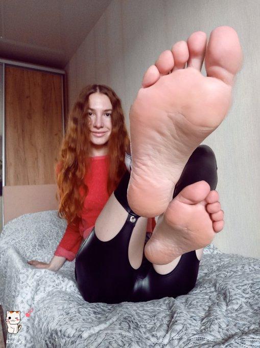 I hope you like my feet :) https://t.co/BBkenKqhvq