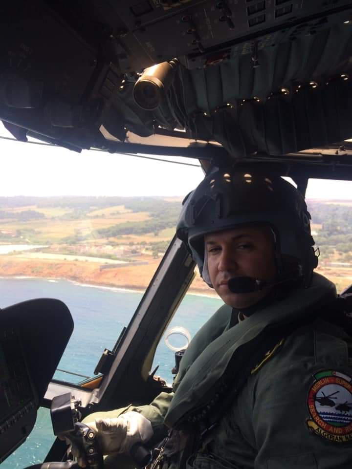 صورة المقدم الوافي محمد الامين شهيد الواجب الوطني في حادث سقوط مروحية عسكرية في عرض البحر ببوهارون