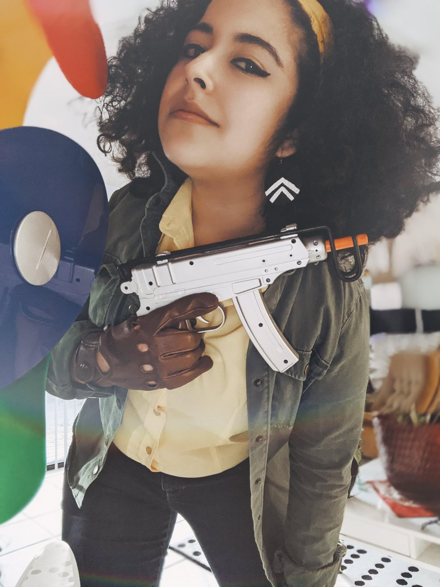 """""""The only way to protect the cycle… is to kill you""""  Check out this awesome Juliana cosplay from Arkane Outsider @HarleyPan! #DEATHLOOP"""