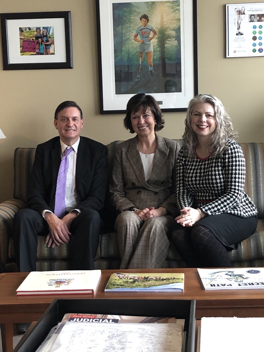 I am grateful for this photo of an amazingly hard working Canadian @PamDamoff, my friend @kevinjbosch and a reminder of a time before masks and physical distancing. Hard to believe this was less than a year ago. Here's to brighter days ahead!