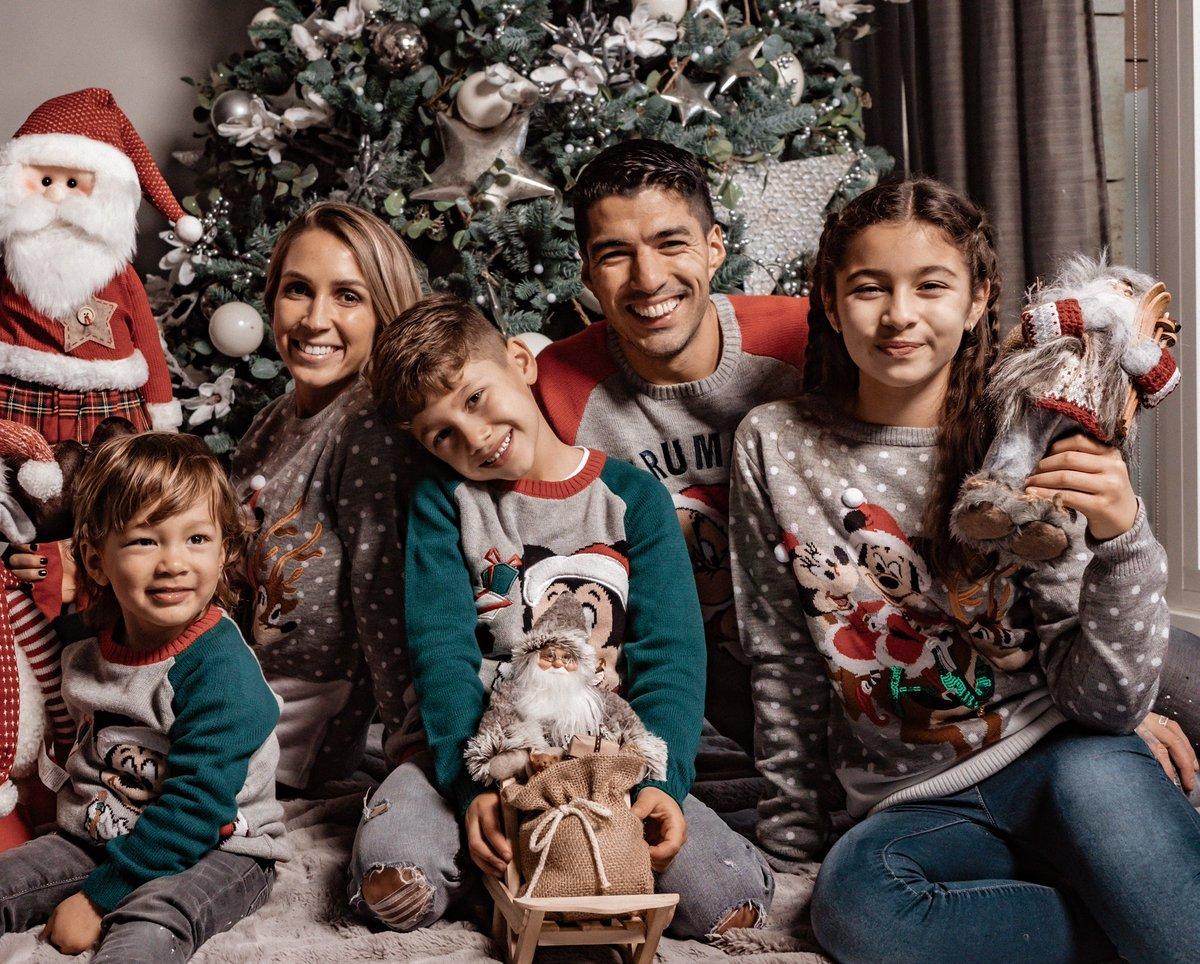 Una navidad distinta y diferente para todos. Pero de corazón les deseamos un MUY FELIZ NAVIDAD 🎄🎁 🎅🏽 👩🏼👧🏽👦🏽👶🏻
