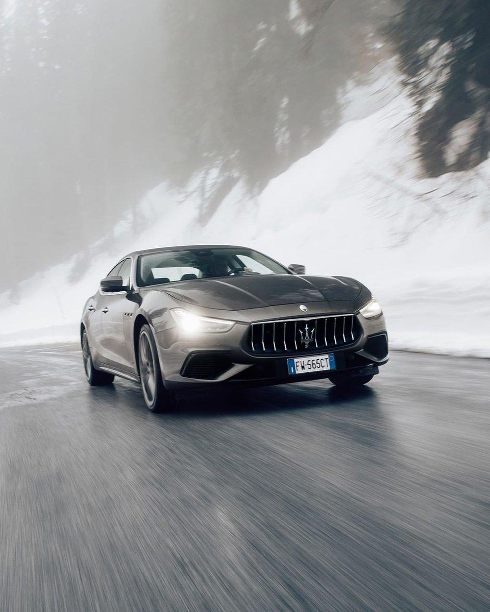 その傑出した佇まい、ハイレベルなラグジュアリー性。 マセラティの大胆な哲学を、エレガントに体現するギブリ。 無機質で平凡な日常に、全てが異次元の心高鳴る体験と価値観を提案します。  ギブリの詳細はこちら https://t.co/smnnzGcB59  #Maserati #マセラティ #マセラティジャパン #Ghibli https://t.co/ELIBT2Rqvy