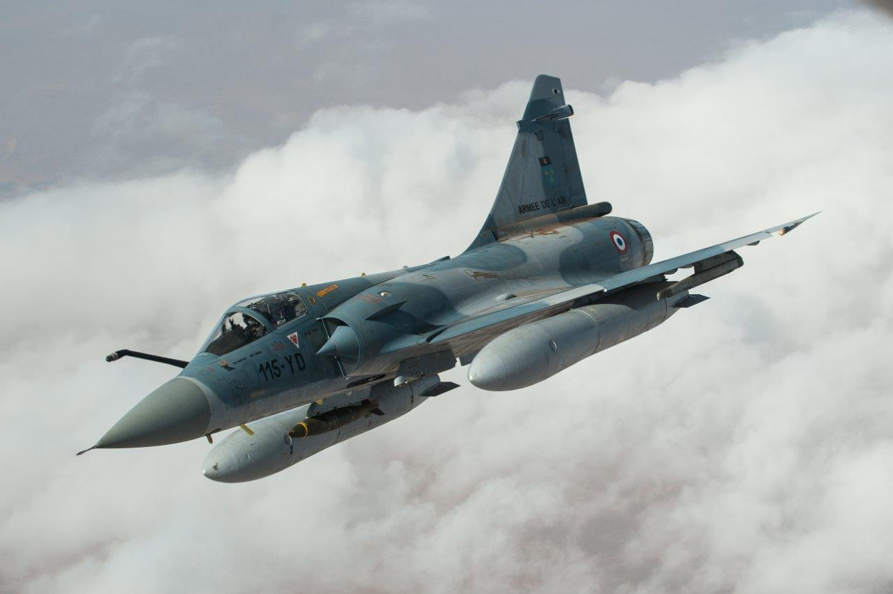 armée de l'air Ep_SKjMXEAEJHlQ?format=jpg&name=large