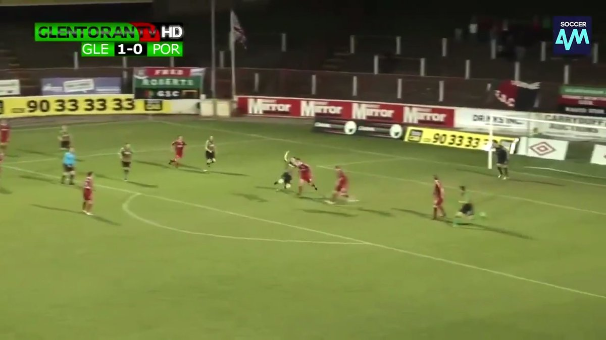 Sébastien Haller's bicycle kick was unbelievable! But after seeing that goal we just had to dig this out of the archives:   𝐌𝐚𝐭𝐭𝐲 𝐁𝐮𝐫𝐫𝐨𝐰𝐬' 𝐣𝐮𝐦𝐩𝐢𝐧𝐠 𝐛𝐚𝐜𝐤𝐡𝐞𝐞𝐥 𝐯𝐨𝐥𝐥𝐞𝐲 𝐟𝐫𝐨𝐦 𝟐𝟎𝟏𝟎 😱💥