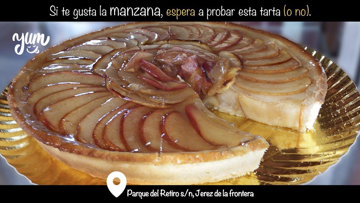 🍎Nuestra tarta de manzana está tan jugosa que querrás repetir. ¡No esperes para probarla! 🤤 📍#Jerez (#Cadiz) -- #comida #cocina #yummymummy #FelizJueves #yummy  #restaurante #Jueves #Food #hostelería #YummyYummy